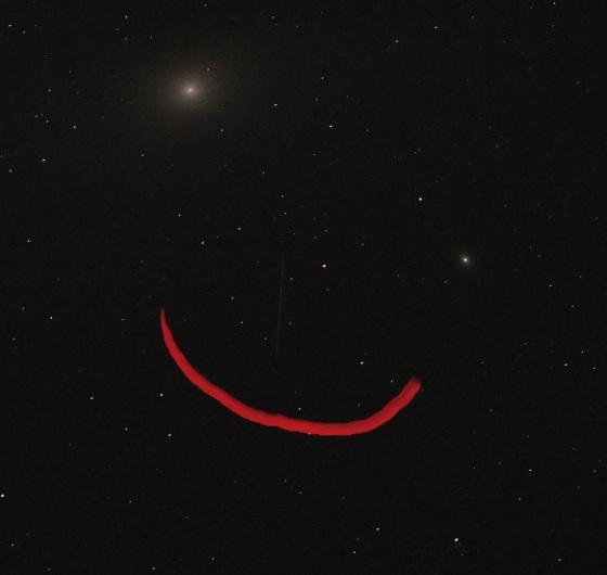Andromeda Galaxie, Stern, Satellit und Strich - fertig ist das Nachtgesicht