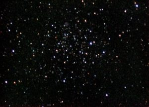 Von Ole Nielsen - http://www.ngc7000.org/ccd/m46-12jan02-lrgb.jpg, CC BY-SA 2.5, https://commons.wikimedia.org/w/index.php?curid=1188574