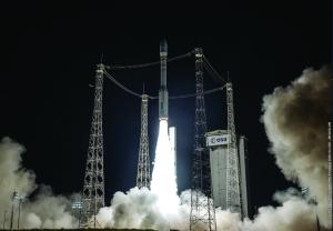 ©2015 ESA-CNES-Arianespace/Photo Optique Vidéo CSG
