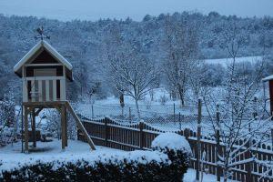Garten im Schnee 2013