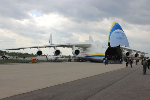 Antonov vorn