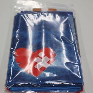Die Flagge in einem Plastikbeutel