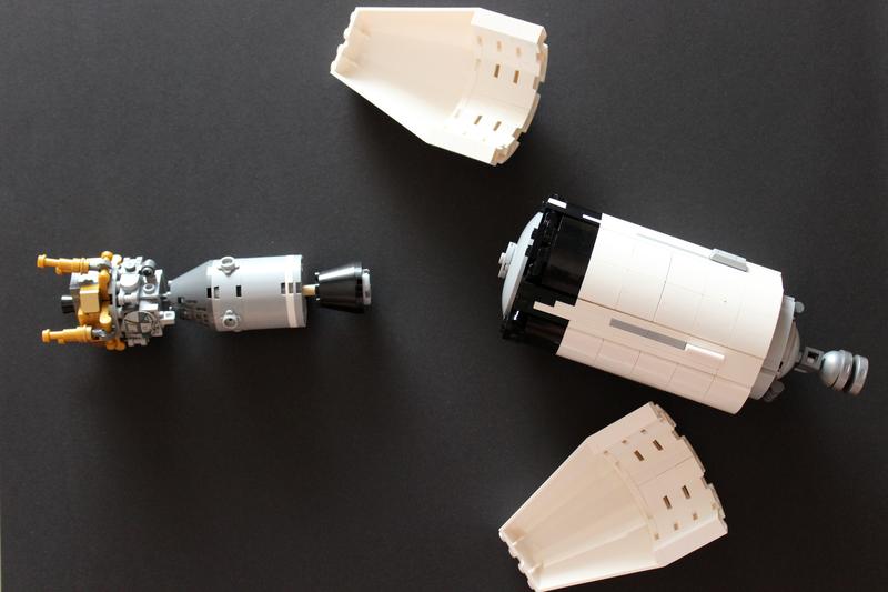 LEGO Apollo 11 Modul hat mit Lander wieder gedreht